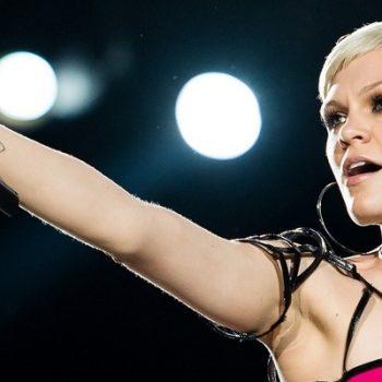 """Jessie J canta música inédita! Confira """"I Believe In Love"""""""