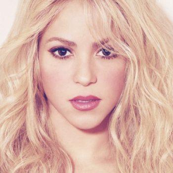 Shakira é amor e paixão em seu novo álbum