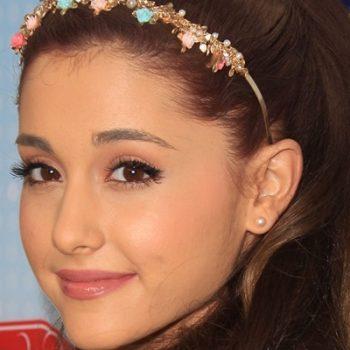 Ariana Grande lança single com Iggy Azalea