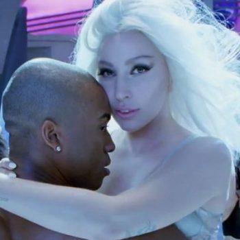 """Cai na web um trecho do clipe de """"Do What U Want"""", de Lady Gaga"""
