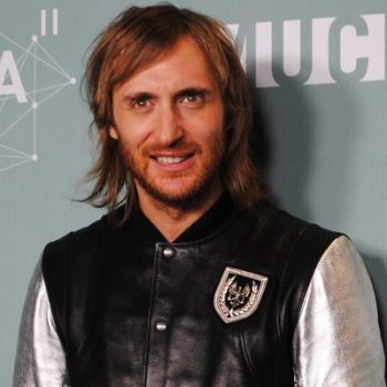 Assista ao novo clipe de David Guetta em parceria com Magic!