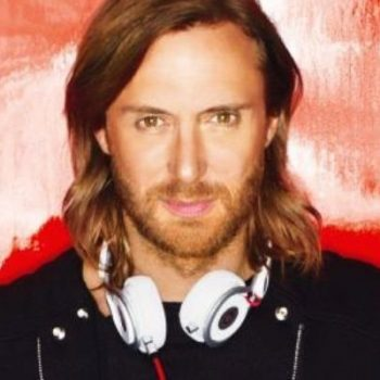 "Assista ao clipe de ""What I Did For Love"", novo single de David Guetta"