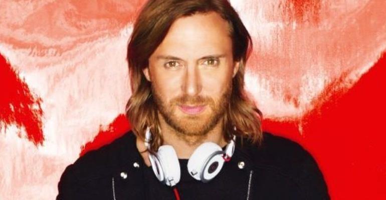"David Guetta reconhece Bebe Rexha e altera capa oficial de ""Hey Mama"""