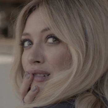 "Hilary Duff descarta ""Chasing The Sun"" e ""All About You"" de novo álbum"