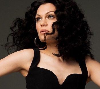 Jessie J apresenta novo single no The Voice alemão