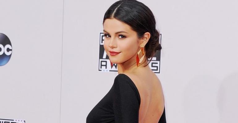 """Selena Gomez é eleita a """"Mulher do Ano"""", pela Billboard"""