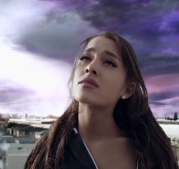 "Ariana Grande libera os bastidores do clipe de ""One Last Time"""