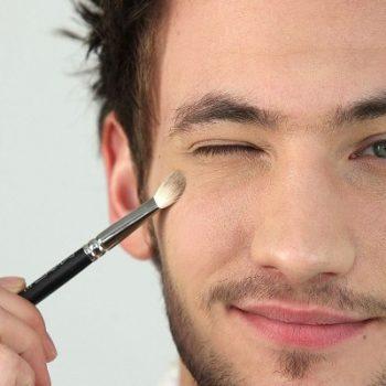 HOMENS: Seis passos para uma maquiagem perfeita