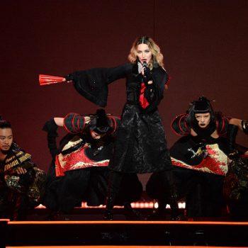 """Madonna estreia """"Rebel Heart Tour"""" com muitos hits e looks incríveis"""