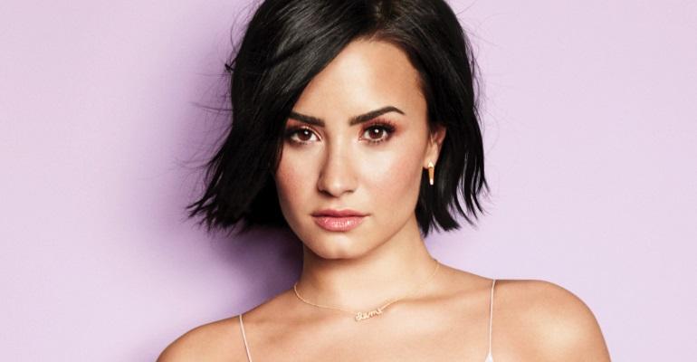 Demi Lovato lança linha de roupas esportivas. Confira algumas fotos!