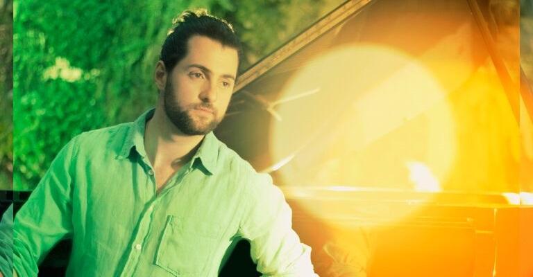 "Tonanni reúne hits nacionais no álbum ""Piano Pop 2"""