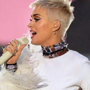 Katy Perry é destaque na Glamour e fala sobre fase difícil que está vivendo