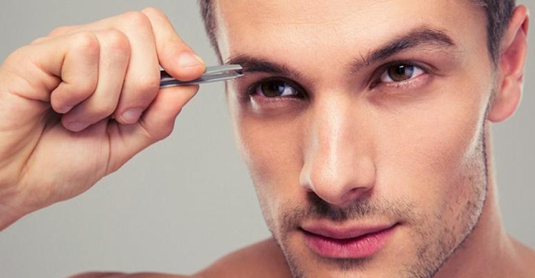 BEAUTY: Homens com sobrancelhas desenhadas pode? Vem saber!