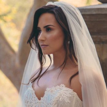 "Demi Lovato anuncia data do clipe de ""Tell Me You Love Me"""