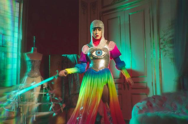 "Assista ""Hey Hey Hey"", novo clipe de Katy Perry!"